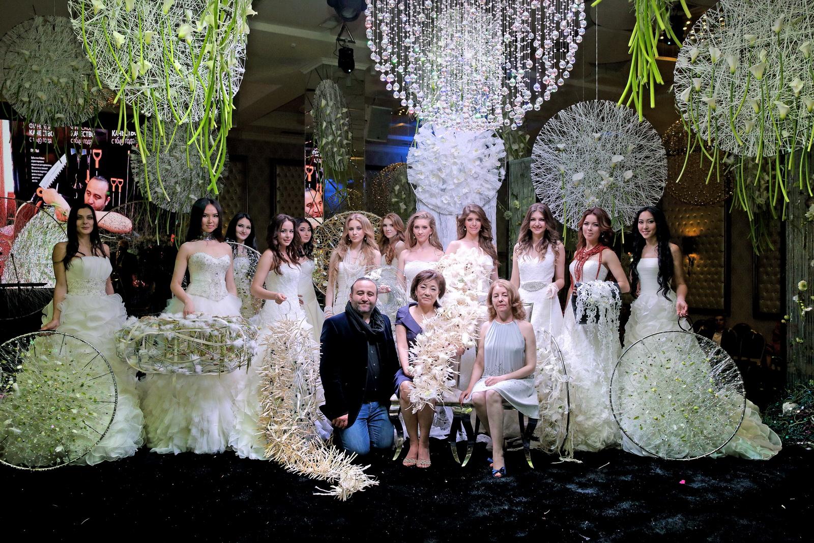 http://araikgalstyan.com/wp-content/uploads/2015/05/Floral-wedding-show-Bishkek-2015-Web_05211.jpg